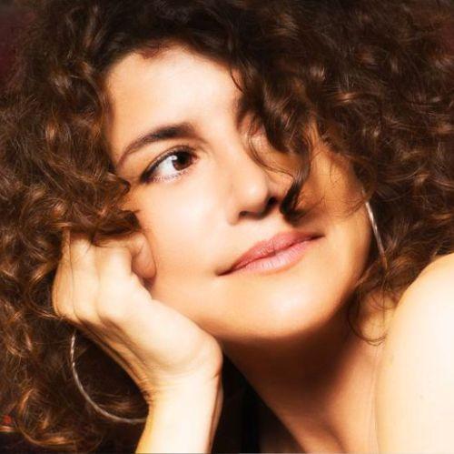 elena tovar, artistas de musica pop actual